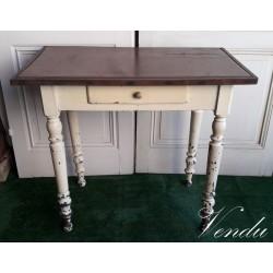 Table peinte 1900 dessus...