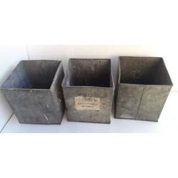 Caisses cubes anciennes de...
